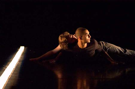 Image of two dancers performing at Fest365